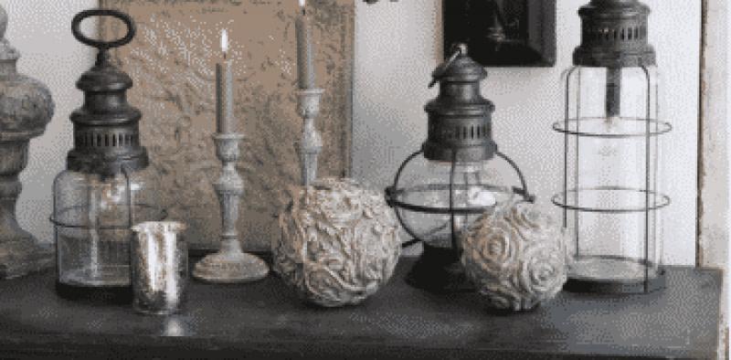 Lampe und Kugeln
